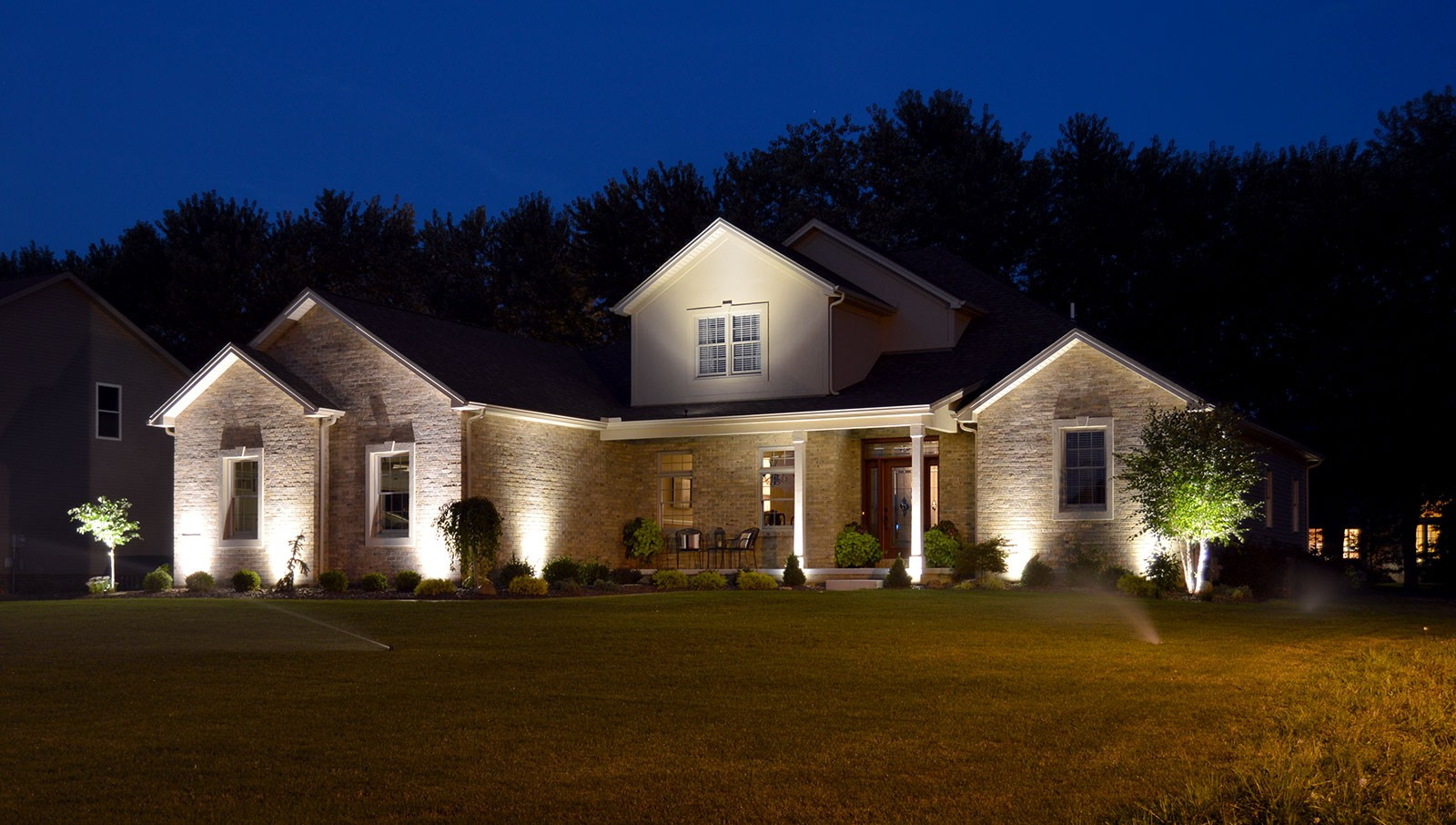 Outdoor lighting-Brandon FL Outdoor Lighting Installers-We Offer Outdoor Lighting Services, Landscape Lighting, Low Voltage Lighting, Outdoor LED landscape Lighting, Holiday Lighting, Christmas Lighting, Tree Lighting, Canopy Lighting, Residential outdoor Lighting, Commercial outdoor Lighting, Safety Lighting, Path and Garden Lighting, Mini lights and flood lights, Landscape Lighting installation, Outdoor spot lights, Outdoor LED garden Lighting, Dock Lighting, Accent lights, Deck and patio lights, Security lights, Underwater Lighting, Tree upLighting, Outdoor Lighting repair services, and more.